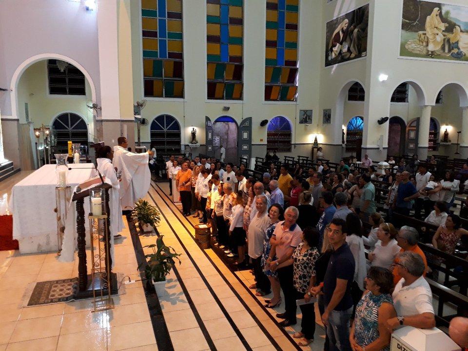 Encontro de Casais com Cristo celebra missa em homenagem aos casais aniversariantes de Abril
