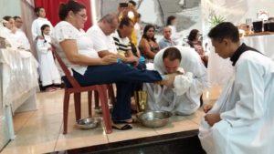 Fiéis celebraram início do Tríduo Pascal com a Missa do Lava-pés