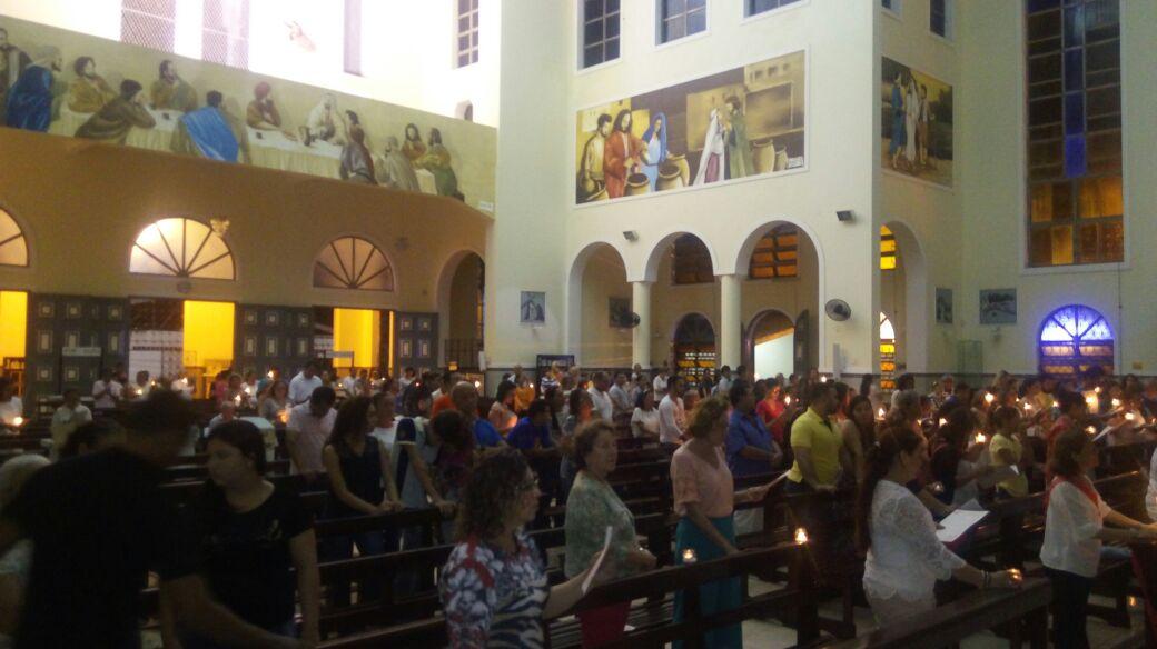 Paroquianos celebram ápice da Semana Santa no Tríduo Pascal