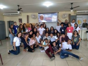 """Pastoral Familiar realiza encontro """"Deus é Jovem"""""""