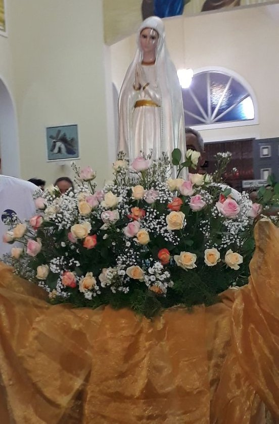 Catequese Infantil e Grupo São José realizam tradicional Coroação de Nossa Senhora