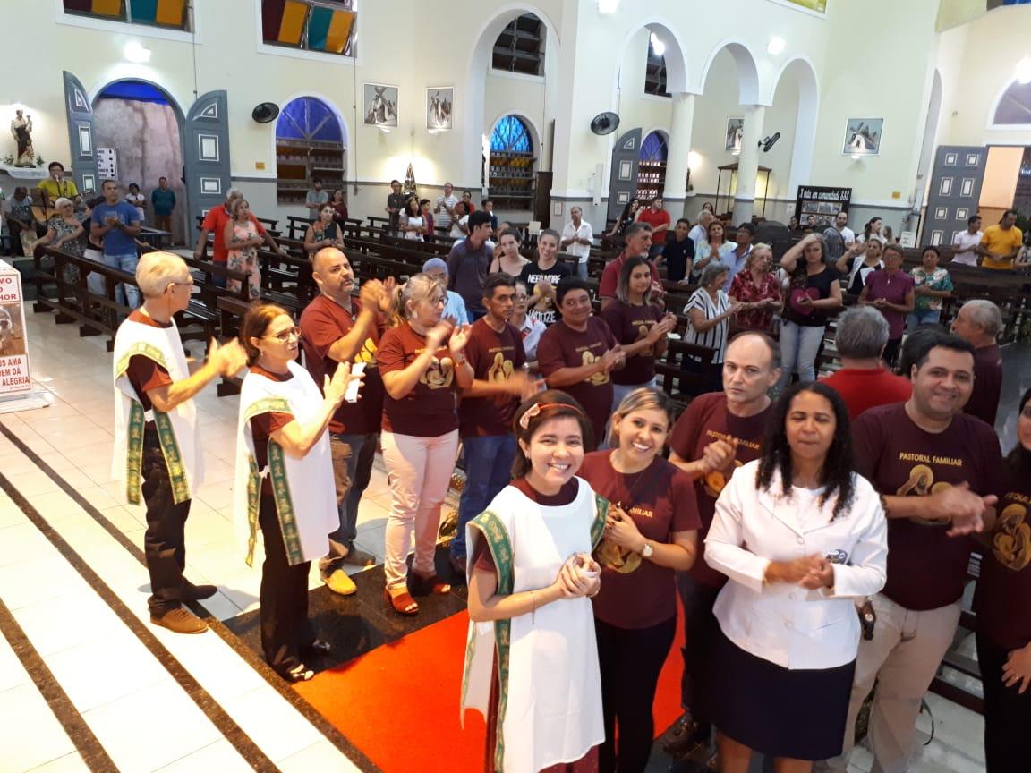 Pastoral Familiar encerra Semana Nacional da Família com Santa Missa e show do Ministério Basílica