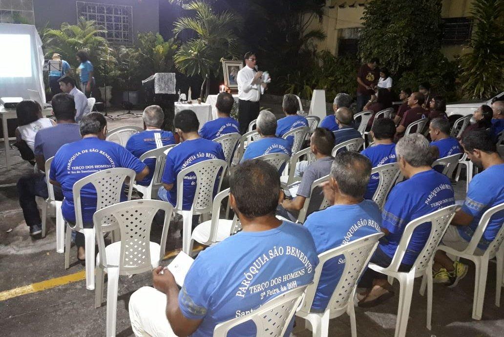 Grupo de oração Terço dos Homens participa da Semana Nacional da Família