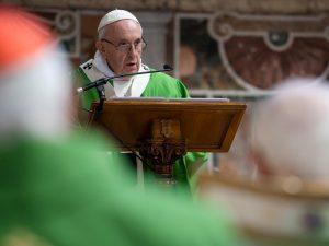 """""""Chegou a hora"""" de erradicar os abusos sexuais, diz Papa Francisco"""