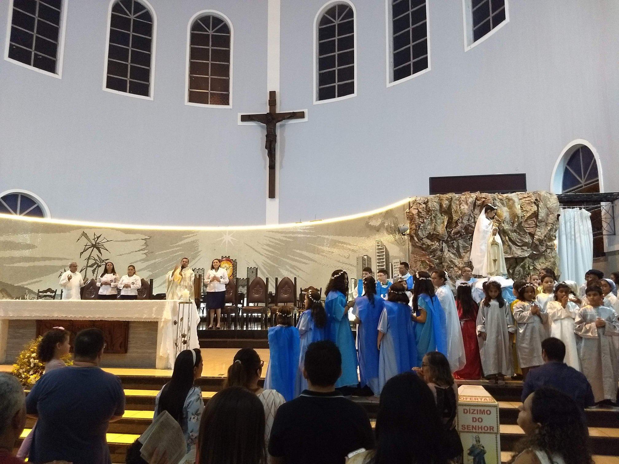Paróquia São Benedito realiza Coroação de Nossa Senhora 2019
