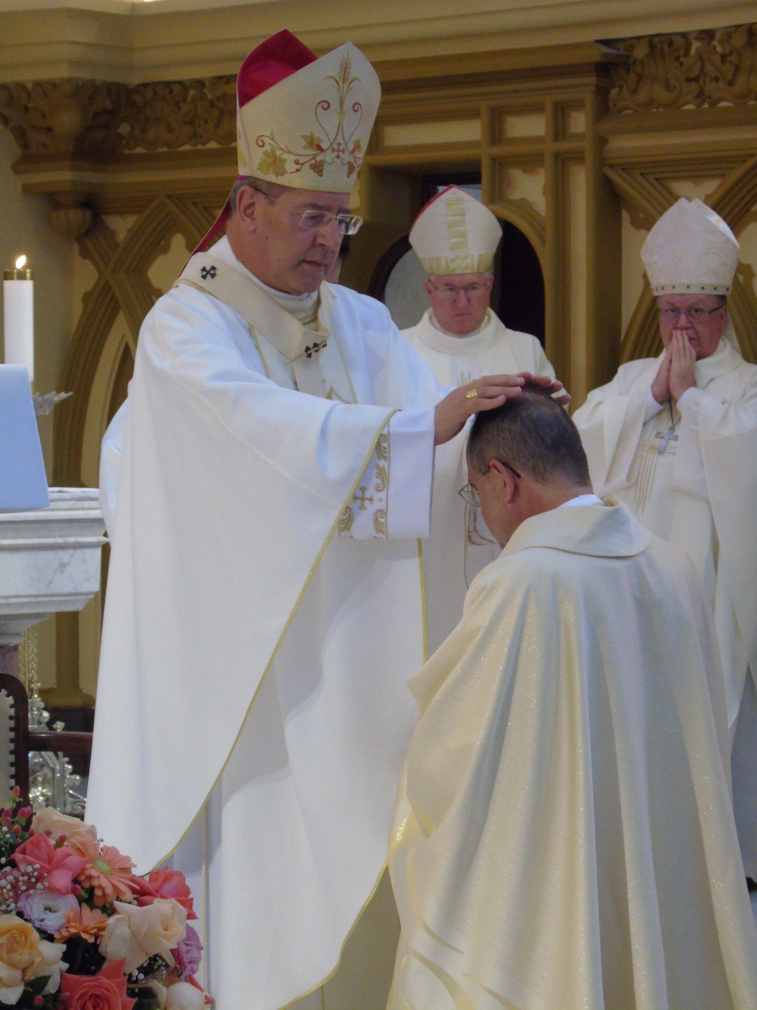 Grande celebração em prol da ordenação de Monsenhor Hernaldo Farias na Paróquia Nossa Senhora da Boa Viagem