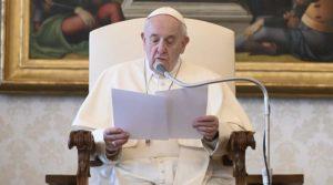 Semana Santa: Papa Francisco incentiva a olhar para o Crucifixo e abrir o Evangelho