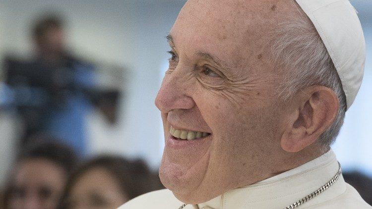 """""""Falta algo a um cristão que não tem humor"""", diz o Papa Francisco"""