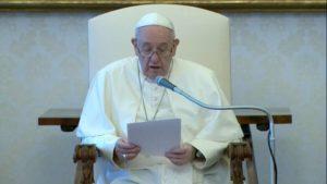 """""""Não podemos tolerar nem fechar os olhos para qualquer tipo de racismo ou de exclusão"""". Diz o Papa Francisco"""