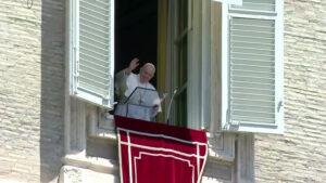 Como os mártires, devemos seguir a vida sem medo, afirma o Papa