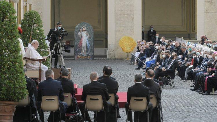 As catequeses do Papa Francisco sobre a oração