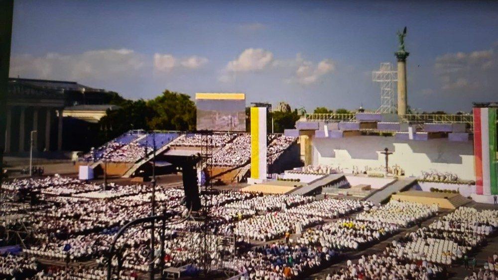 Congresso Eucarístico Internacional é inaugurado em Budapeste